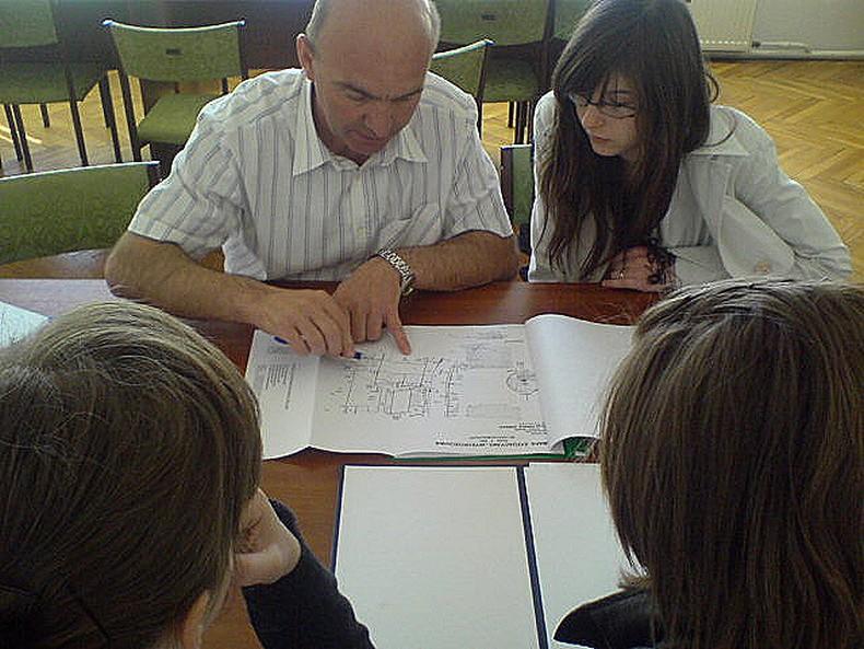 Polish School 1_5_consultations.jpg